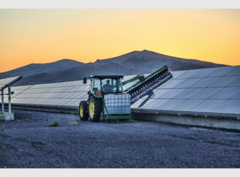 Tractor Solar Brush (Photovoltaic)
