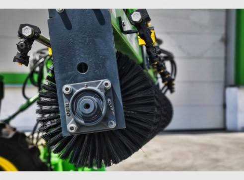 Tractor Solar Brush(Photovoltaic) 3