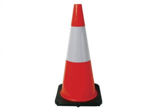 Traffic Cone 700mm Reflective 1