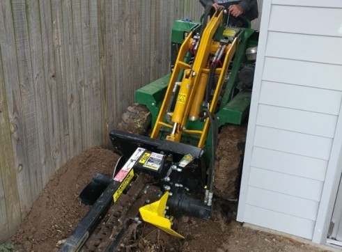 Kanga Mini Digger with Trencher  15