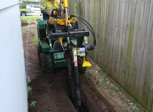 Kanga Mini Digger with Trencher  1