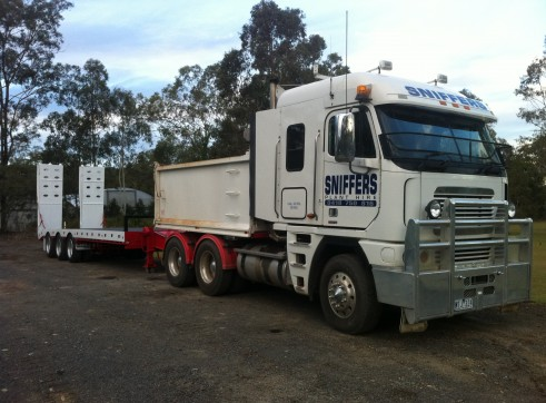 Tri-axle tag along trailer (20 tonne capacity) 2