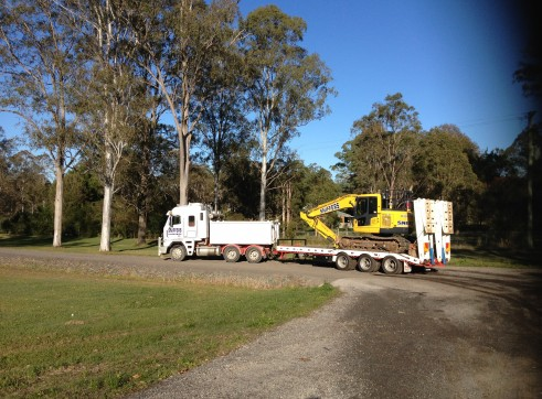 Tri-axle tag along trailer (20 tonne capacity) 3