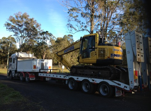Tri-axle tag along trailer (20 tonne capacity) 1