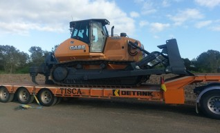 Tri-axle Widening Low Loader w/ramps 1