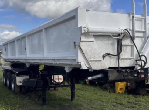 Tri-Star lead / mid trailer on airbags 1