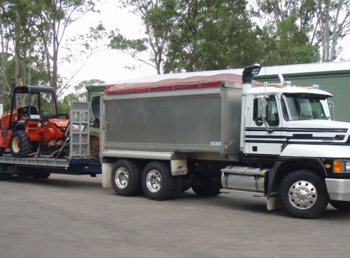 Truck & Dog Tipper Combination 3