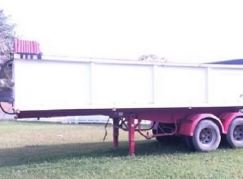 Truck with Drop Deck Float or with semi tipper trailer 2