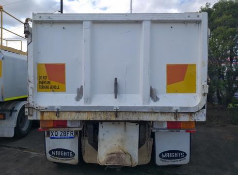 UD Tandem Tipper Body Truck 3