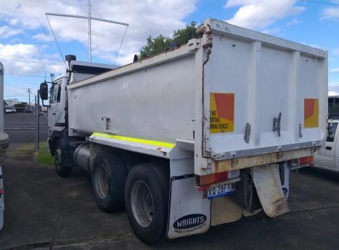 UD Tandem Tipper Body Truck 4