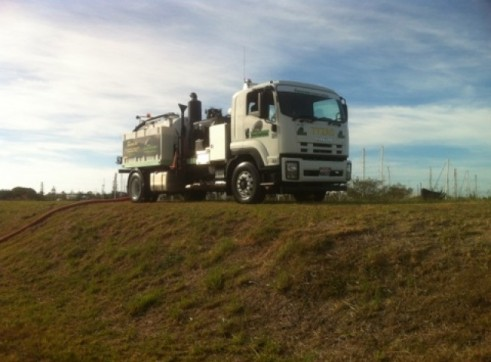 Vacuum Excavation- Sucker Truck- 4,000L 4
