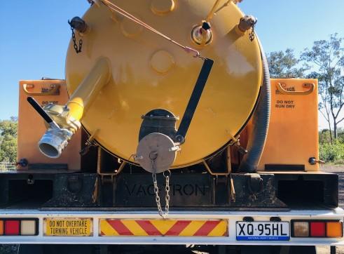 Vacuum Excavation Truck 4