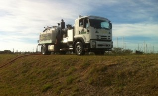 Vacuum Excavation Truck- 7,000L 1
