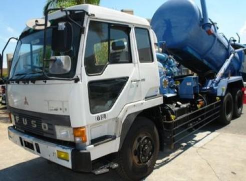Vacuum truck 1