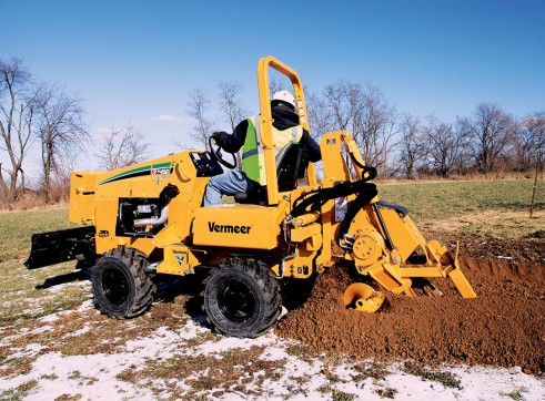 65HP Vermeer RTX450 Ride-On Trencher 1