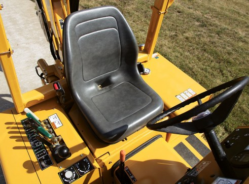 65HP Vermeer RTX450 Ride-On Trencher 3