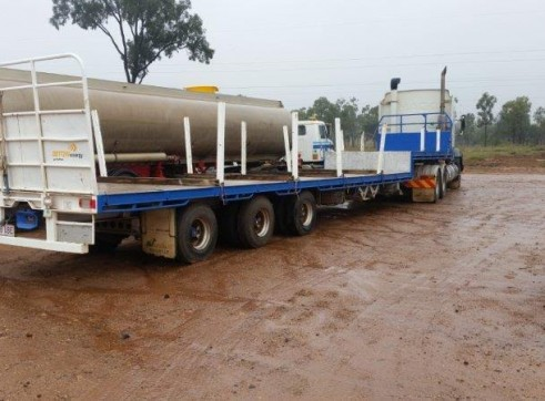 Volvo 550hp Prime Mover w/40ft Flat Top Trailer 1