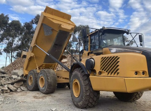 Volvo A40 6x6 Articulated Haul Truck (Moxy)