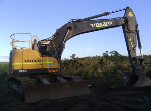 Volvo ECR305CL Excavator 1