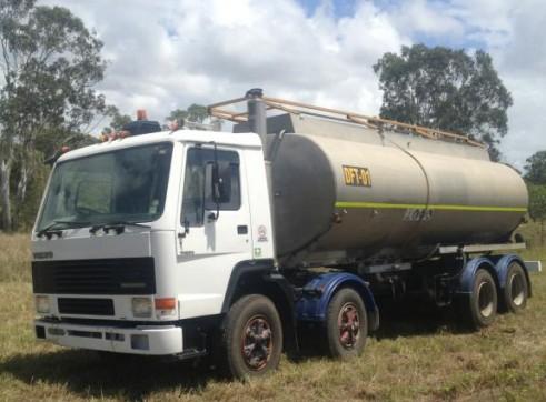 Volvo Fuel Truck - 21,000L Capacity 2