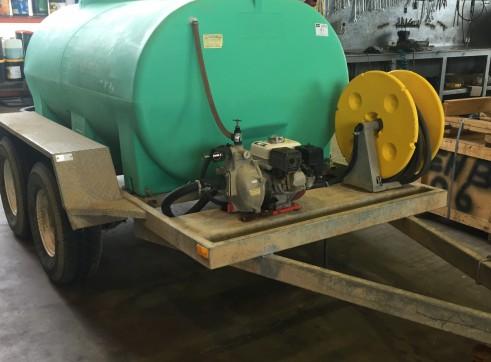 Water Tank Trailer - 2000L 1
