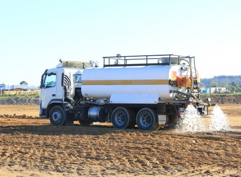 Water Truck - Approx 13,000L 1