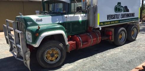Water Truck Mack 10000L 1
