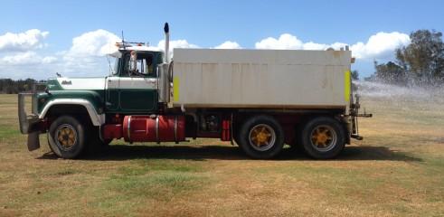 Water Truck Mack 10000L 2