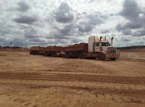Western Star 4864 Prime Mover & Tripple Side Tippers 2