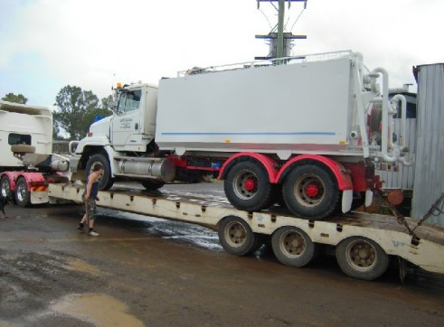 Western star Prime mover and Low Loader 2