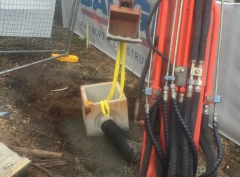 Wet / Dry Hire 3.5T Kubota Digger & 5T Isuzu Tipper 2