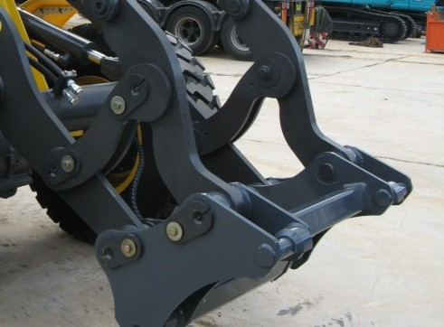 Wheel Loader Quick Hitches 4