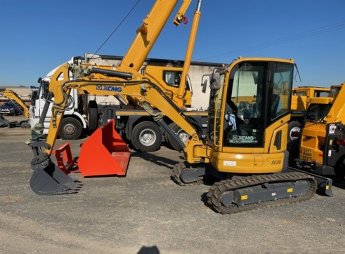 3.5T XCMG XE35U Mini Excavator 1