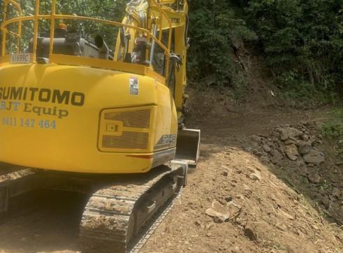 Zero Swing - 15T Sumitomo Excavator 7
